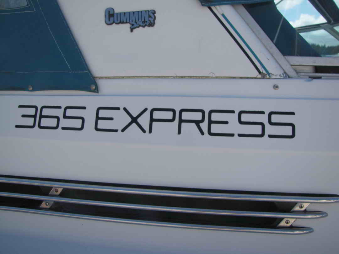Four Winns Express Sport Cruiser image 5
