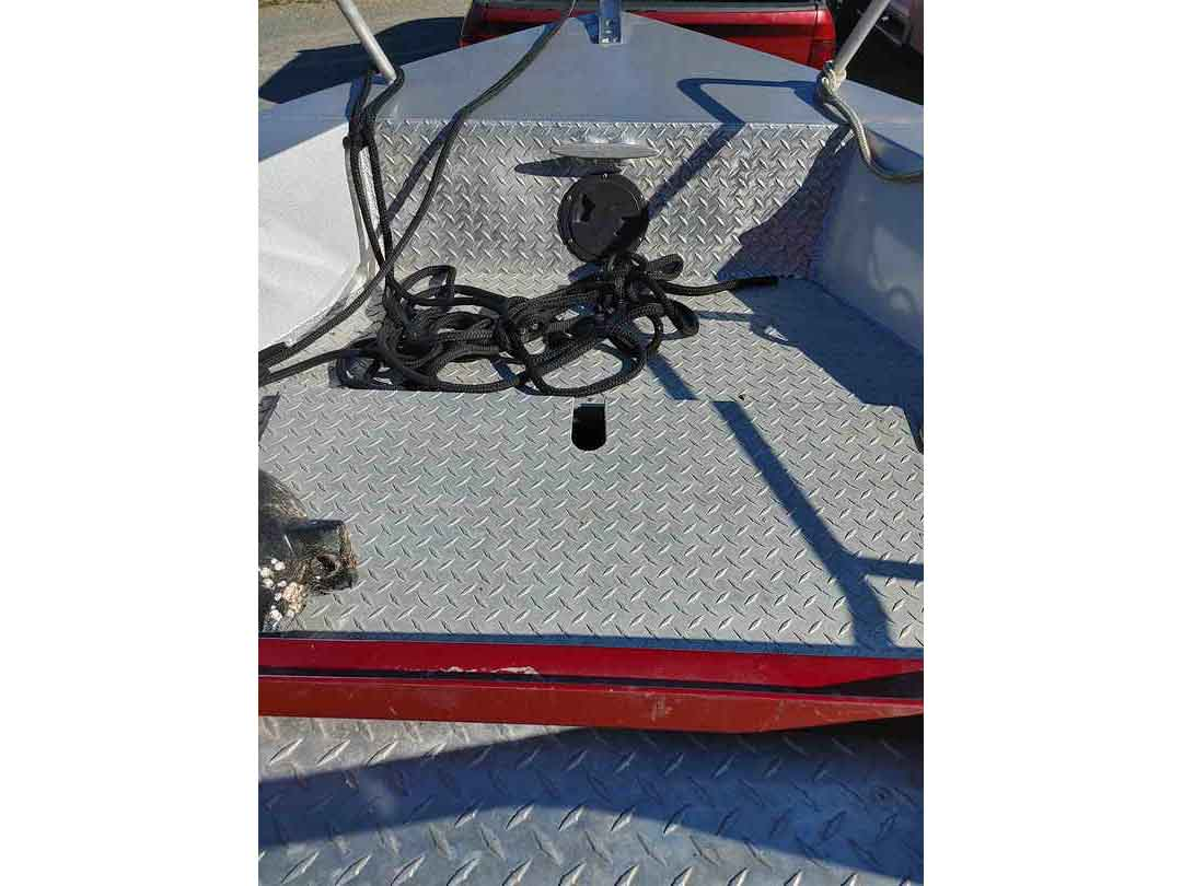 Aluminum Weldcraft Sport Fishing Boat image 8
