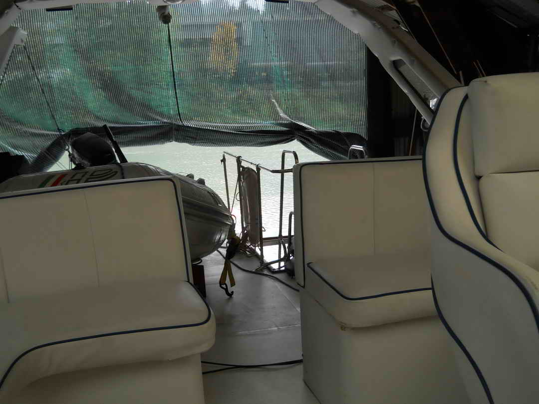 Bayliner Pilothouse Yacht image 14
